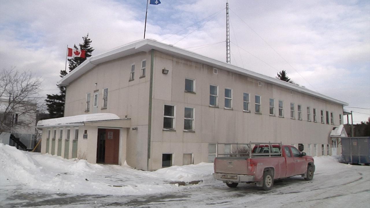 Édifice municipal de Sacré-Cœur : les travaux de décontamination sont amorcés