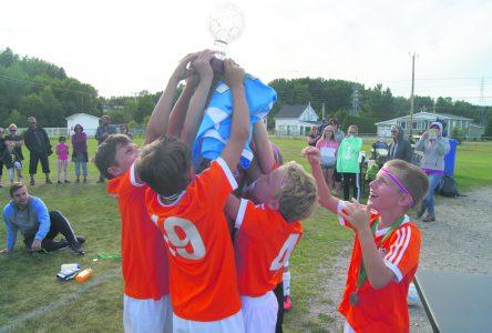 Coupe Inter-Rives Bunet 2016 : Trois-Pistoles remporte le titre 2016