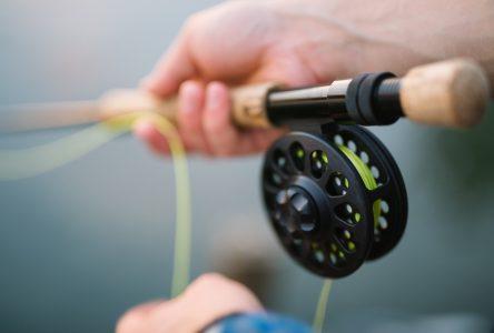 Des pêcheurs en herbe à l'action à la Zec Chauvin