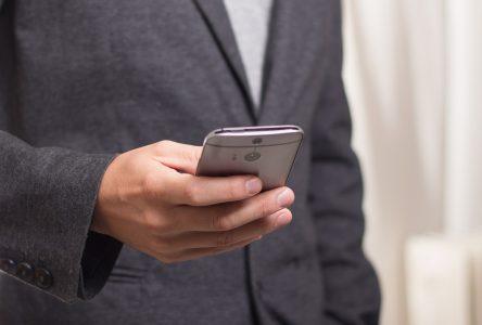 Fraude par téléphone: la SQ conseille la prudence