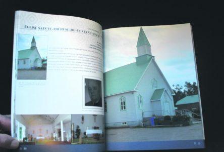 Étienne Francis se consacre aux lieux de culte