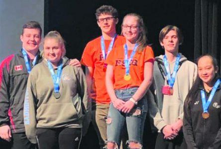 Championnat provincial de badminton – RSEQ – Hovington et Boulianne se couvrent d'or en mixte