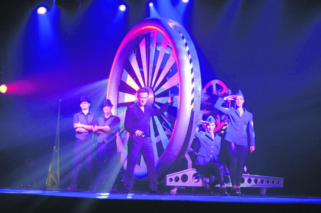 Il prépare une tournée pour 2020 – Le magicien Éric Couture voit grand avec <i>Oz</i>