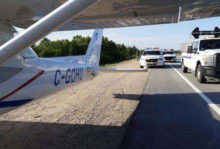 Un Cessna atterrit d'urgence sur la route 138