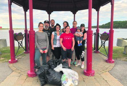 Le Comité citoyen initie sa corvée de nettoyage annuelle