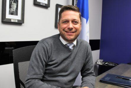 Le député Martin Ouellet remet 50 000 $ à des organismes