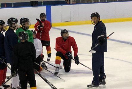 Les hockeyeurs élite retrouvent la glace