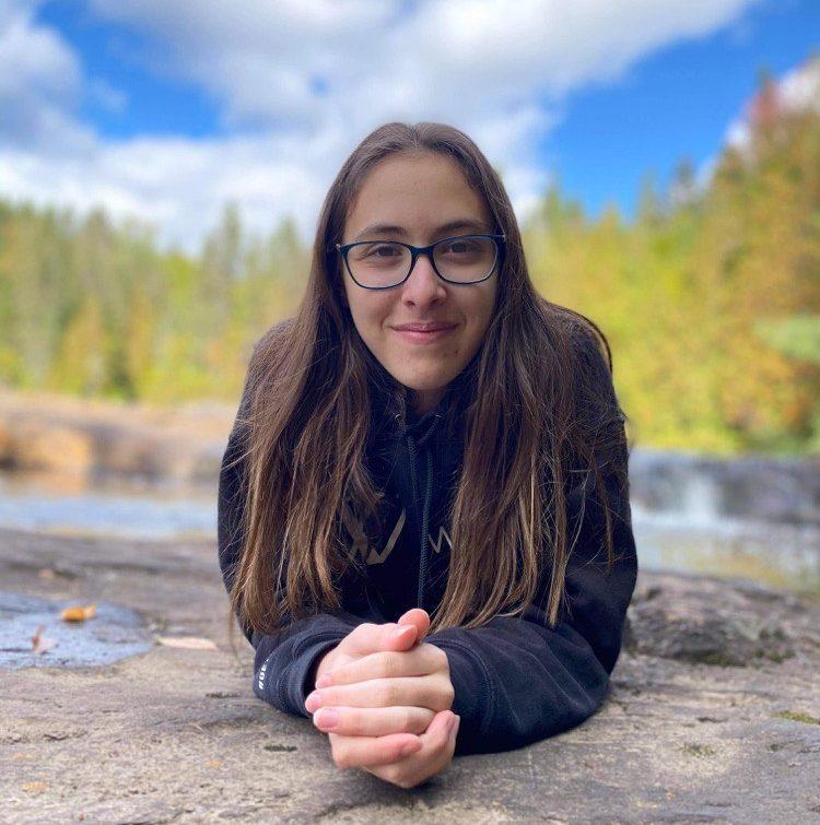 Alice Martin de Tadoussac écrit son premier roman à 14 ans