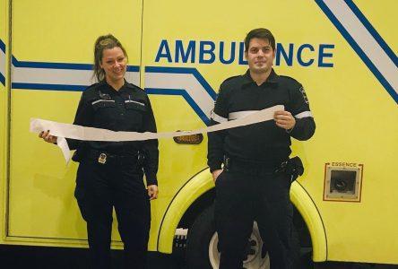 Deux ambulanciers sauvent un septuagénaire