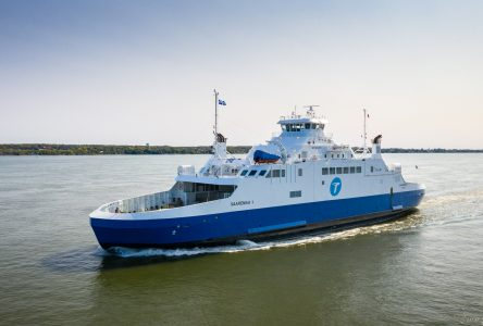 Conditions défavorables : le <i>Saaremaa I</i> déclare forfait mardi